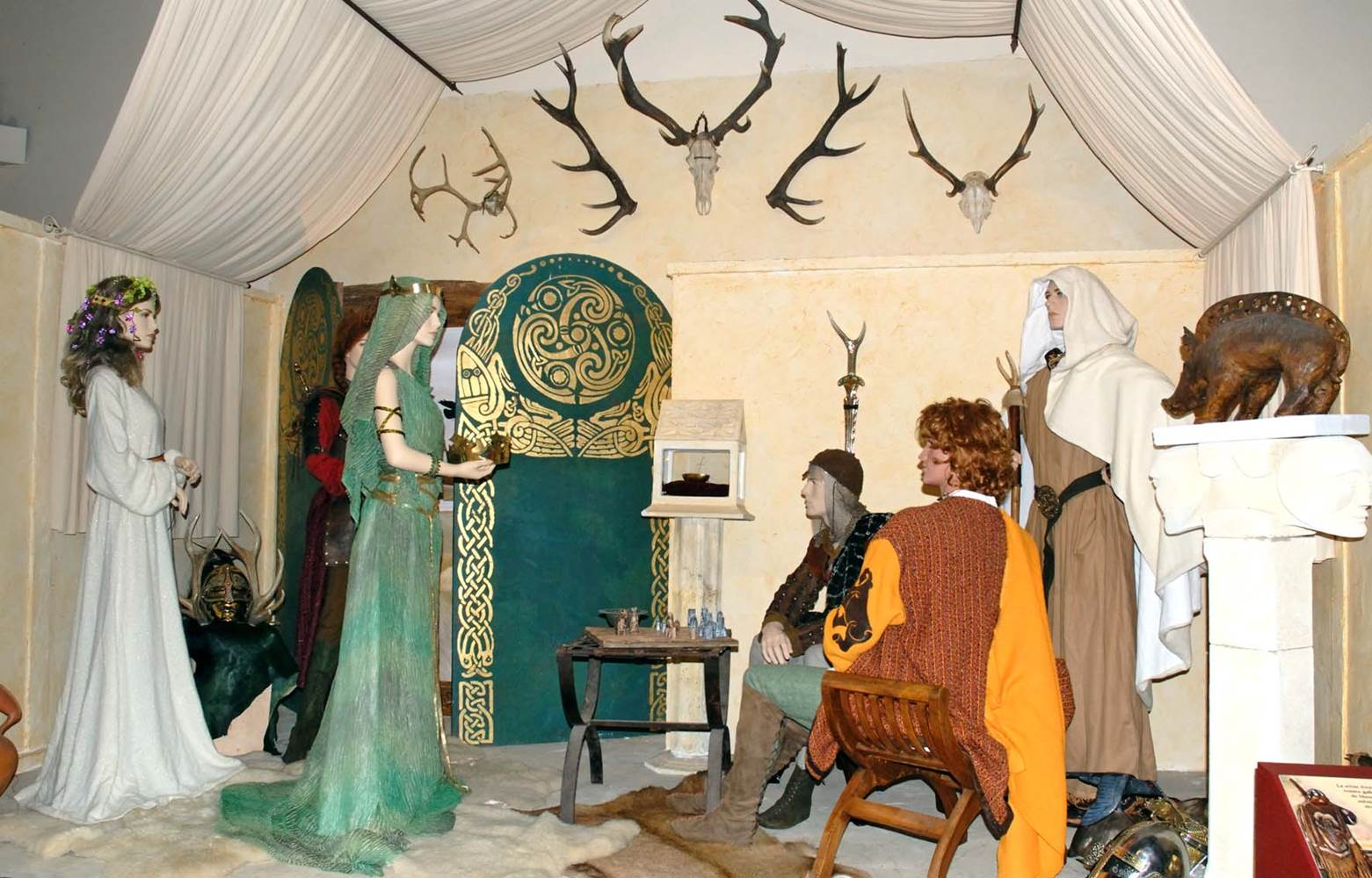 Scene de l'exposition © Centre Imaginaire Arthurien