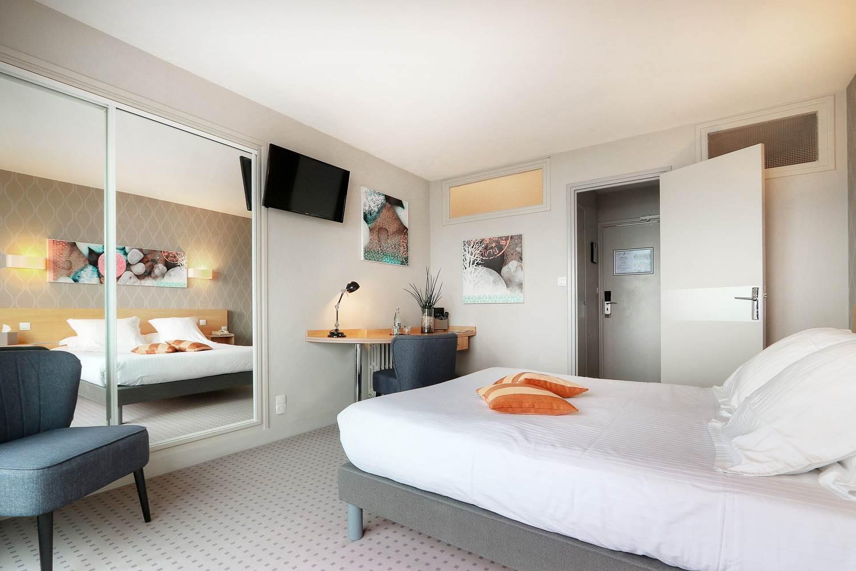 2019-11-13-HotelPetiteSirène-CH2-VueMer-2 ©