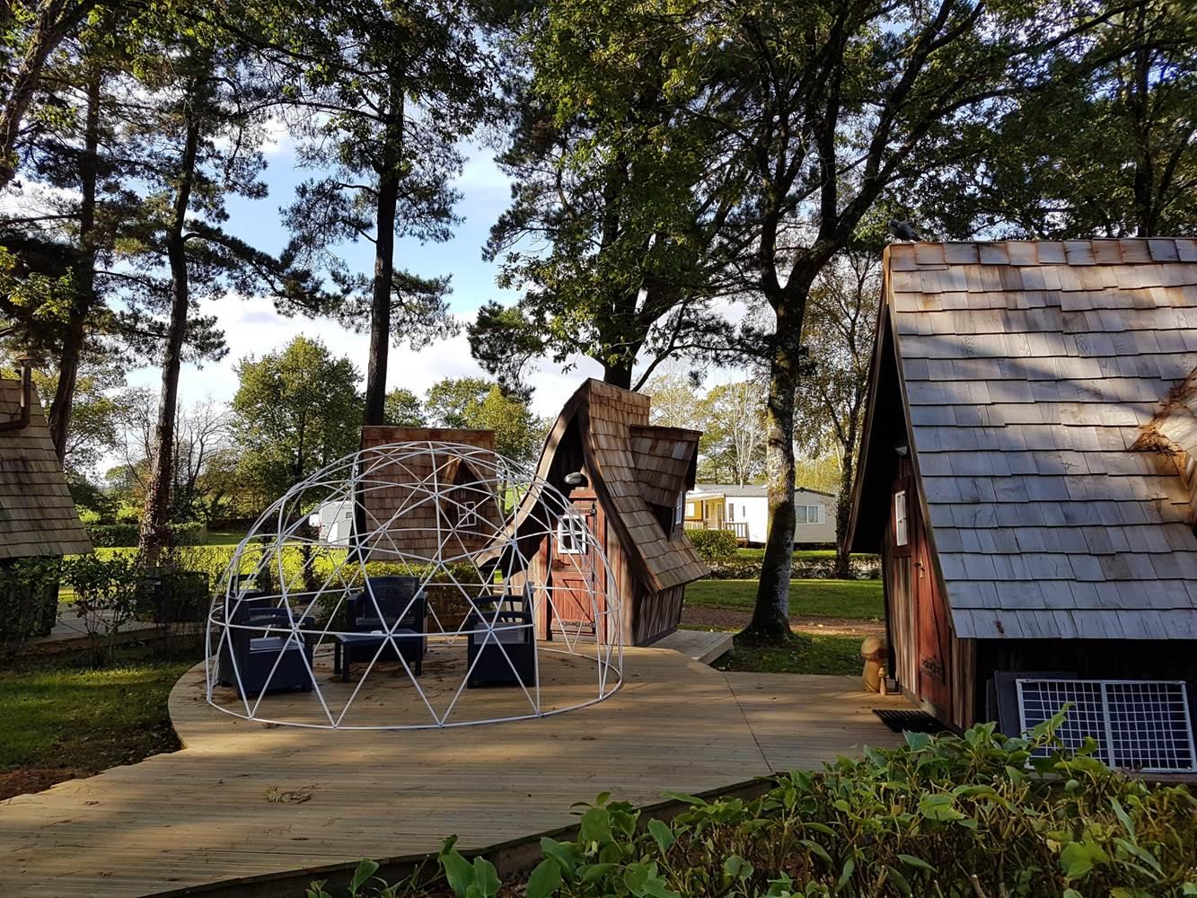 Cabanes camping Pont-Scorff ©
