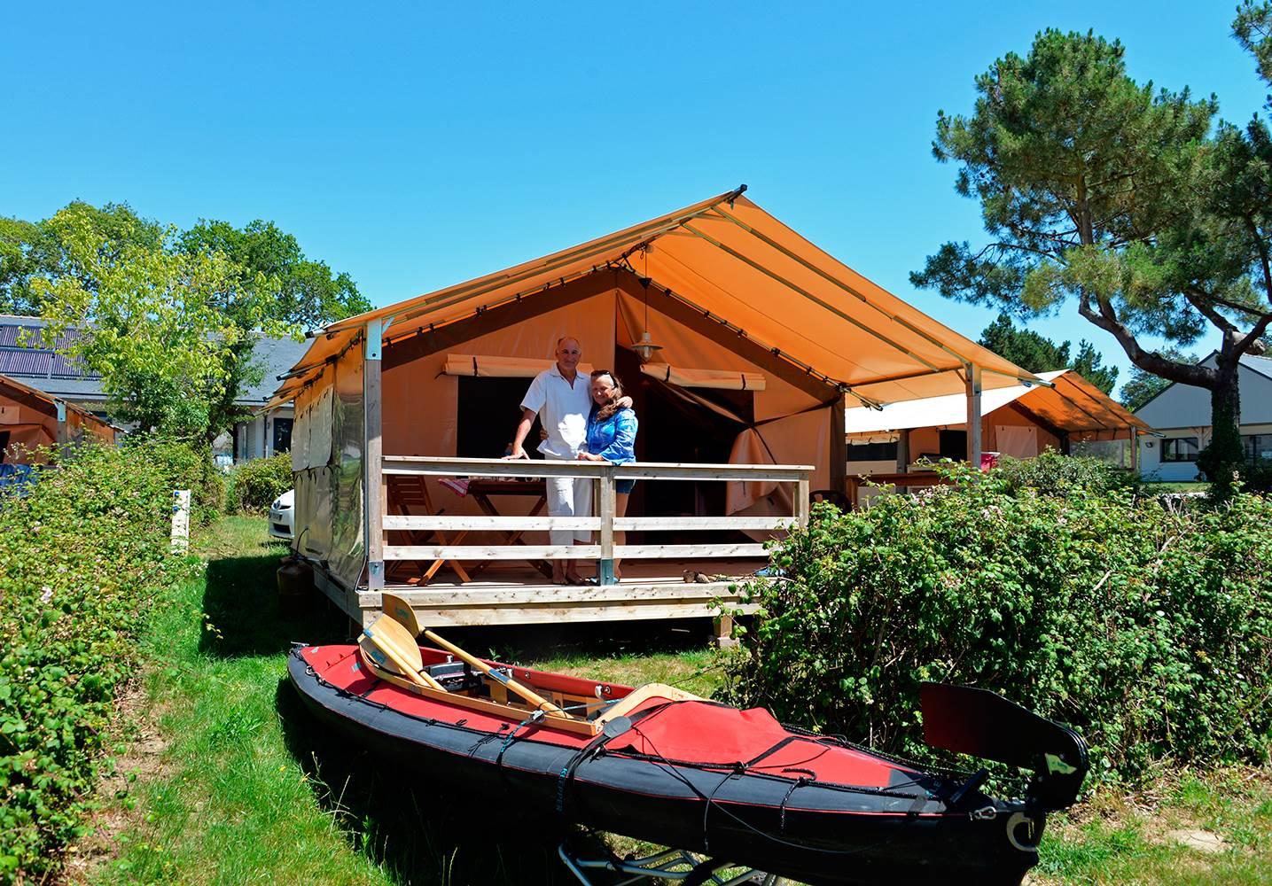 Vacances en tente Lodge et canoé kayak ©