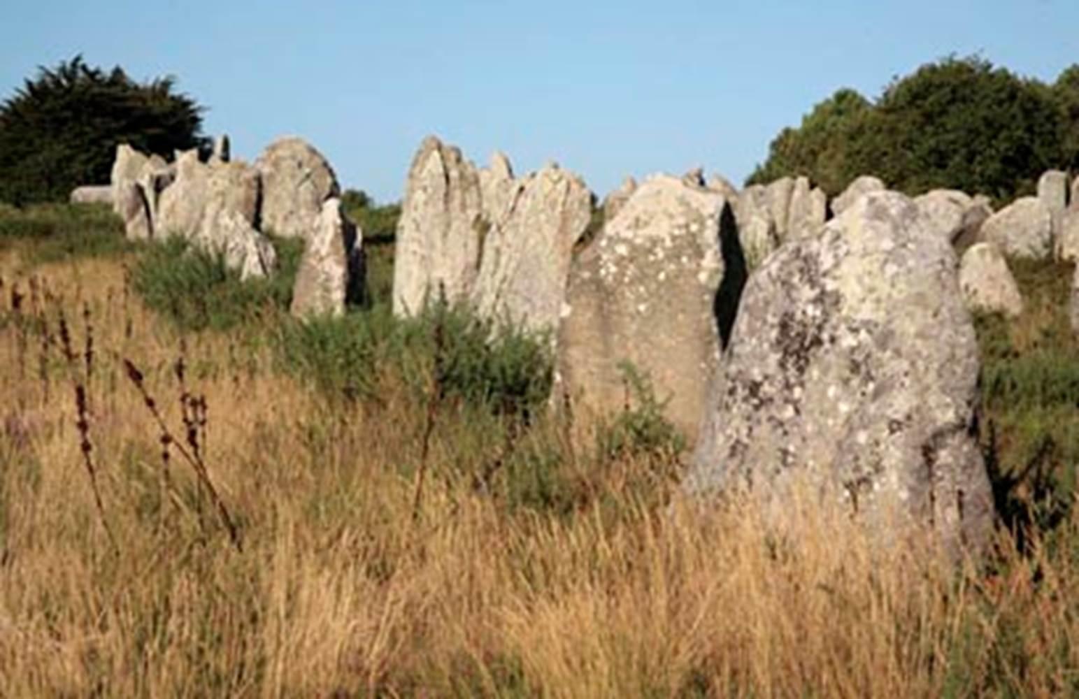 1-Alignements-Carnac-Morbihan-Bretagne-Sud © Centre des Monuments Nationaux