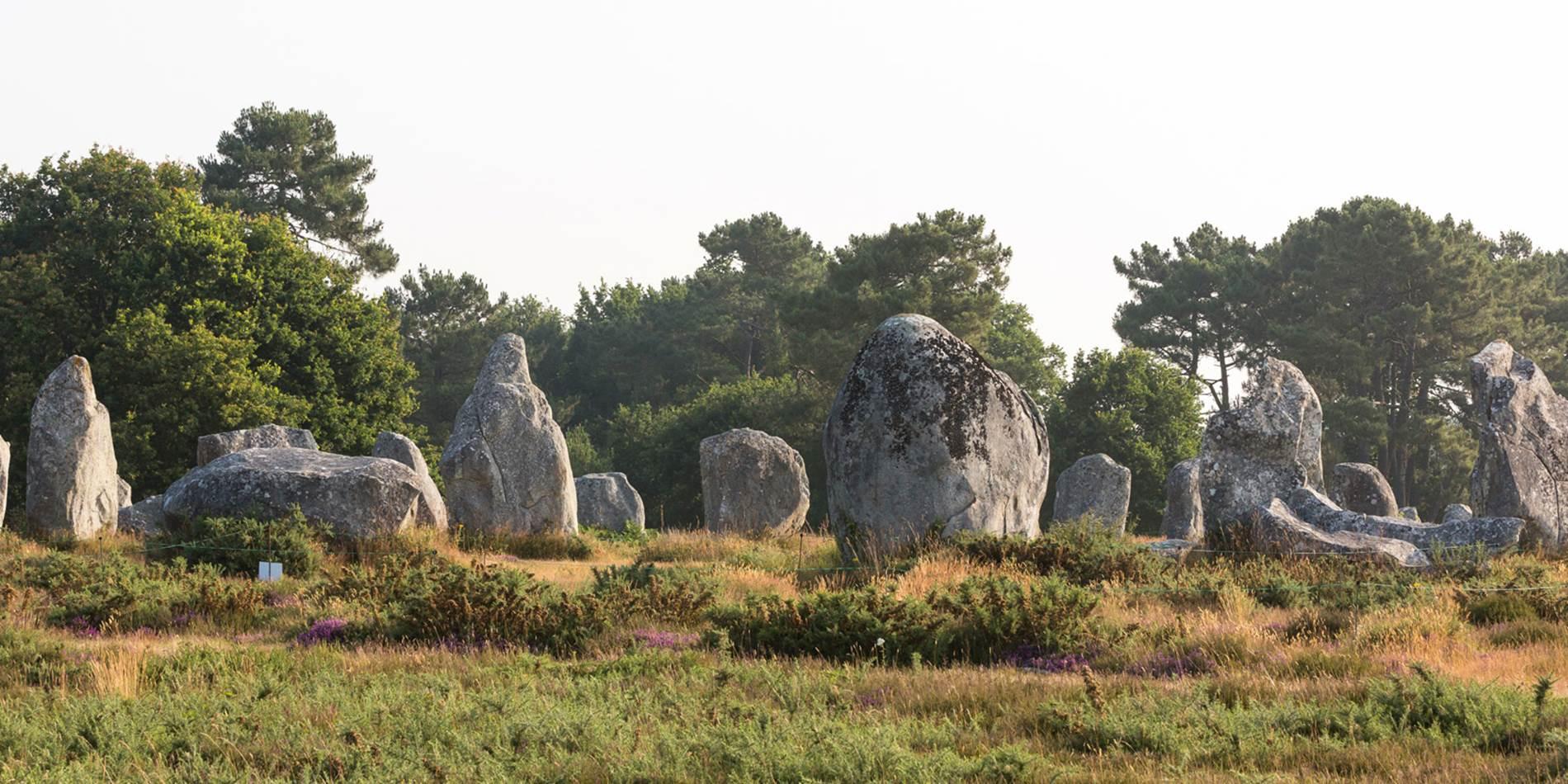 Alignements-Carnac-Kermario-Morbihan-Bretagne-Sud © Galivel