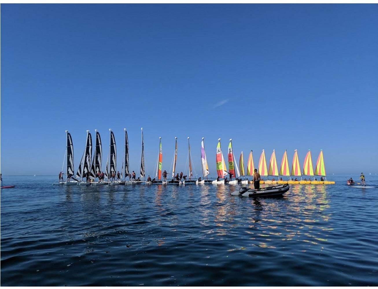 Radeau formé avec les trois flottes du Club Nautique du Rohu © Club Nautique du Rohu