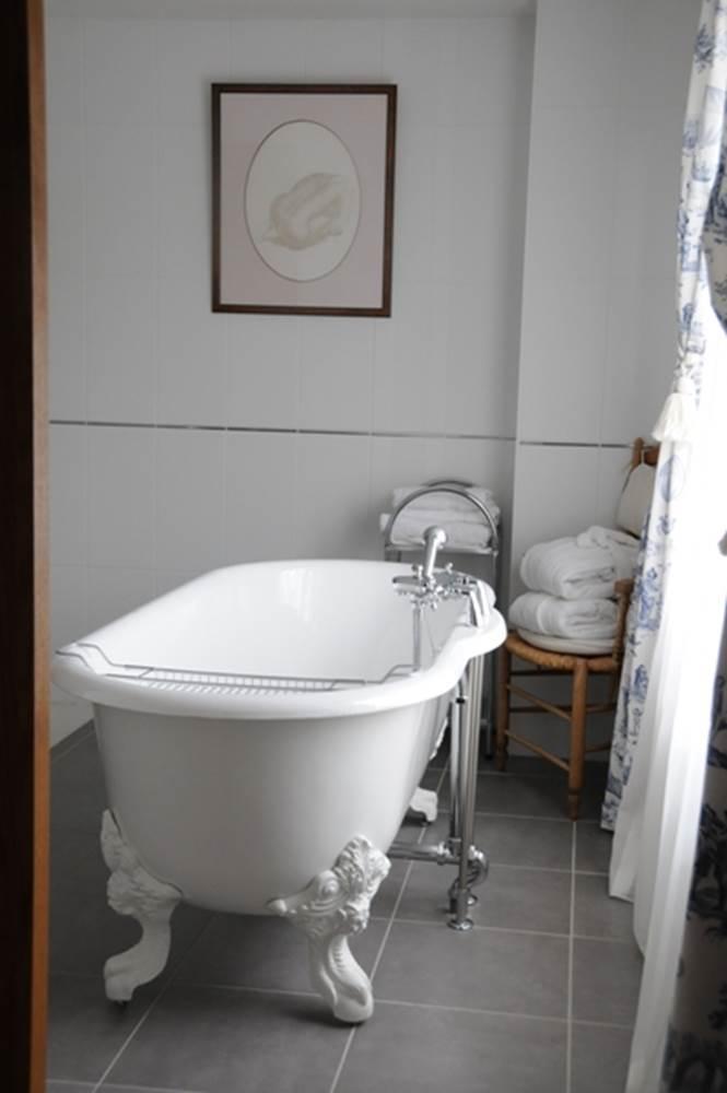 Salle de bain - Auberge Bretonne - La Roche-Bernard - Tourisme Arc Sud Bretagne © Auberge Bretonne