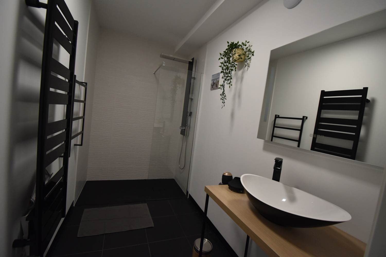 villa charles & ashton chambre sdb mobilité réduite ©