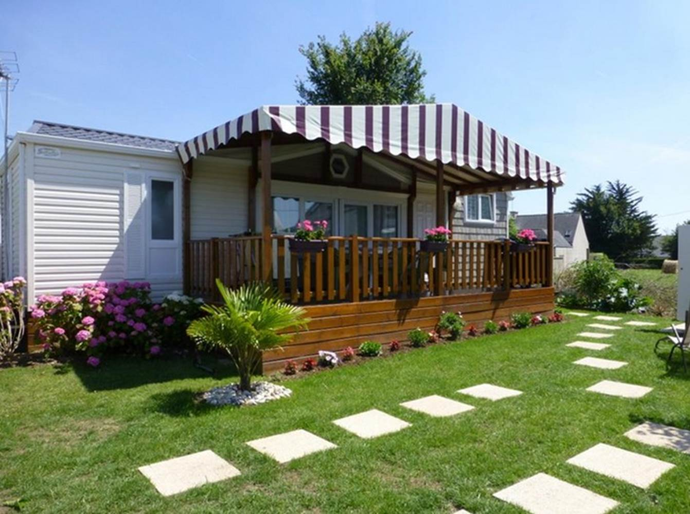 Camping Parc Les Goélands à Ambon- Location mobil home 3 chambres de luxe ©