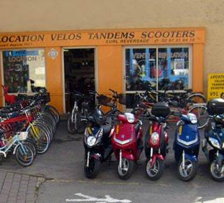 LOCATION DE VELO, SCOOTER, MOTO : CYCLES REVERSADE