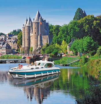 Josselin_Croisiere_canal_Nantes_à_Brest_Morbihan_Bretagne_Sud