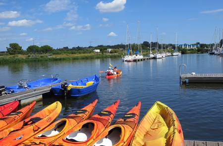 Au Gré du Vent - Kayaks/paddle et bateaux à moteur en rivière